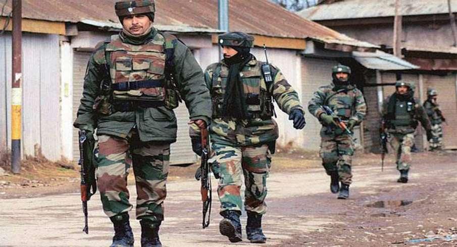 Amarnath Yatra suspended from Jammu to Srinagar amid shutdown call- India TV Hindi