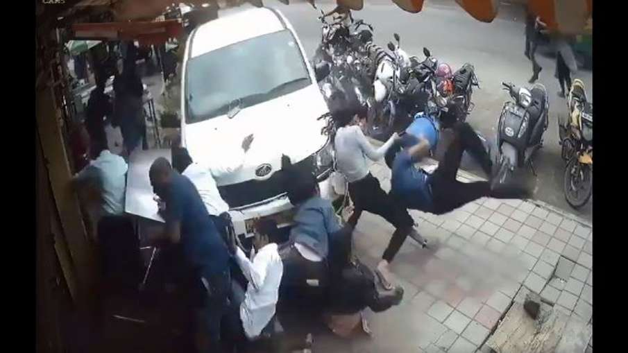 VIDEO: तेज रफ्तार बेकाबू...- India TV Hindi