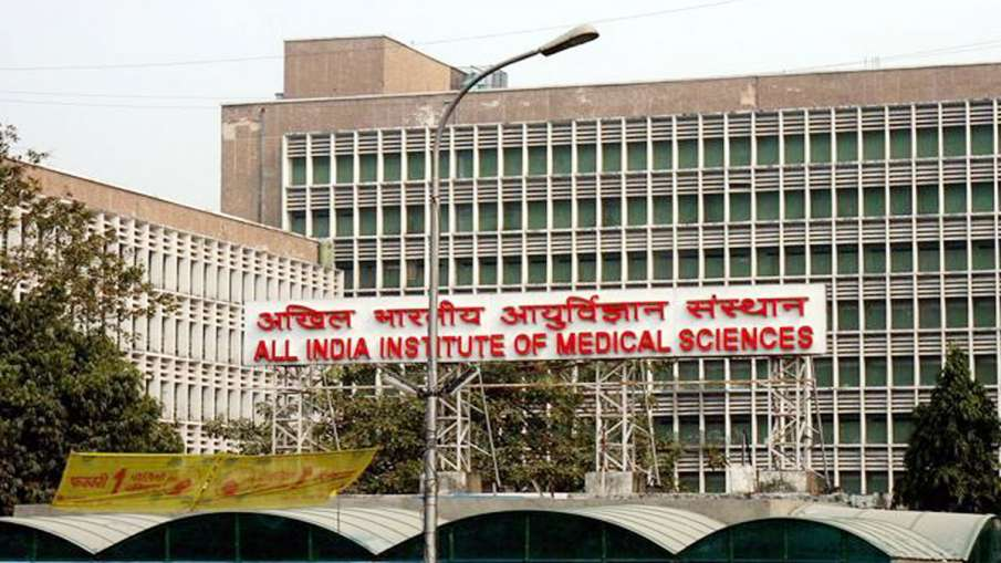 AIIMS doctors call off strike after meeting with Harsh Vardhan- India TV Hindi