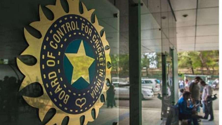 बीसीसीआई ने महिला टीम के प्रदर्शन विश्लेषक पद के लिए आवेदन मांगा- India TV Hindi