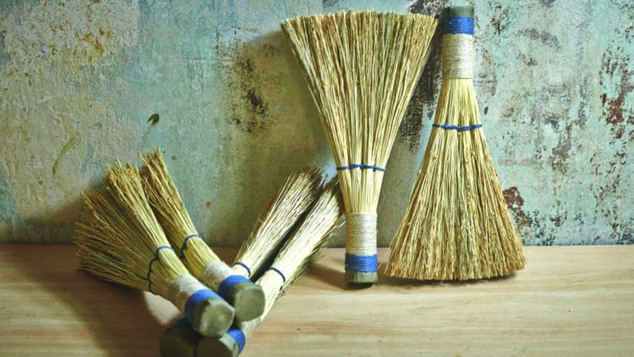 Best Day To Buy Broom- India TV Hindi