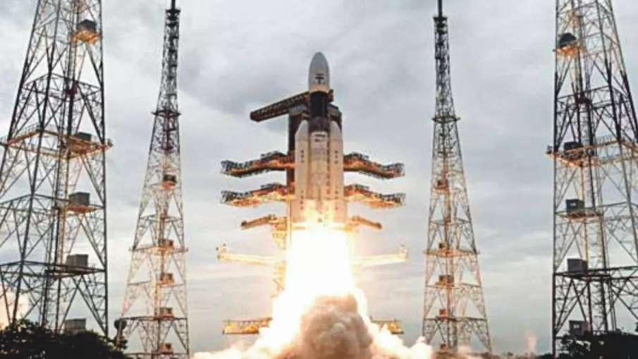 धरती की कक्षा छोड़ 'चंद्रपथ' पर आगे बढ़ा चंद्रयान-2- India TV Hindi