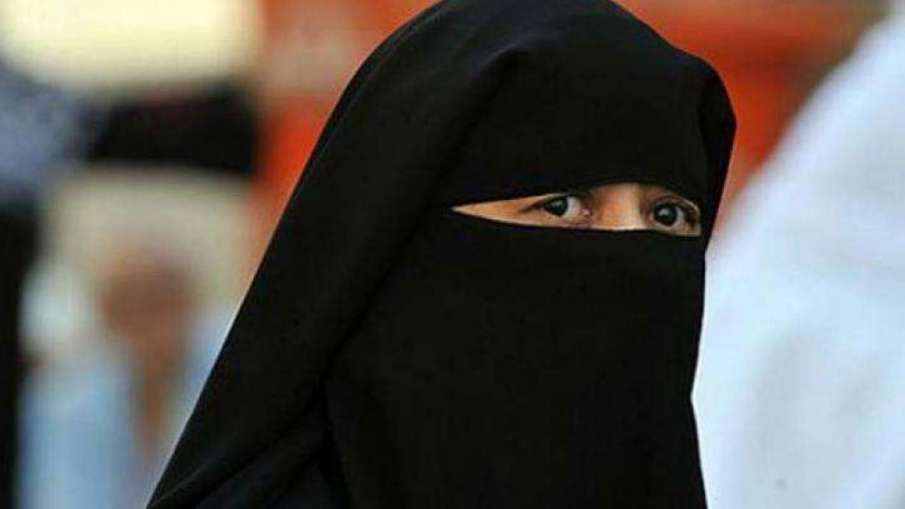 UP woman given triple talaq while celebrating when the bill passed in Rajya Sabha - India TV Hindi