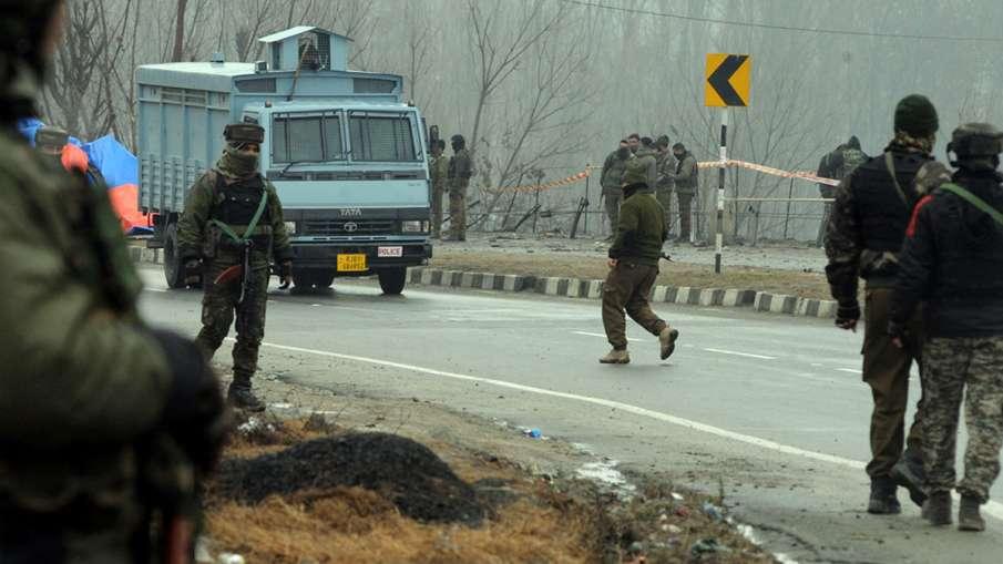 गृह मंत्रालय ने माना, कश्मीर में शरारती तत्वों ने किया था पथराव, बलों ने नहीं की गोलीबारी- India TV Hindi