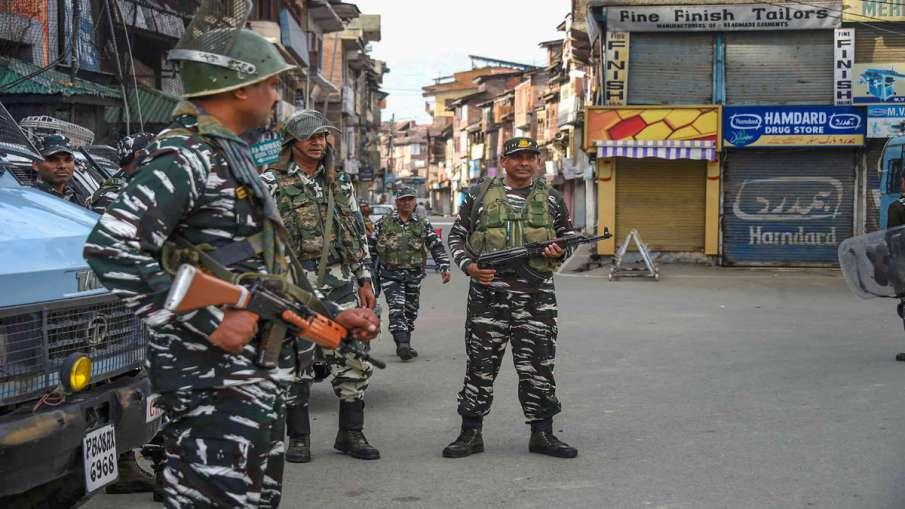 कश्मीर घाटी में 50...- India TV Hindi