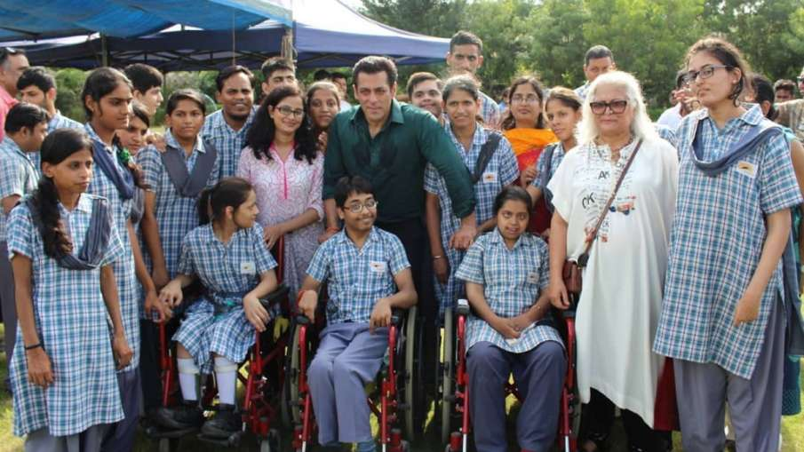 'दबंग 3' के सेट पर सलमान...- India TV Hindi