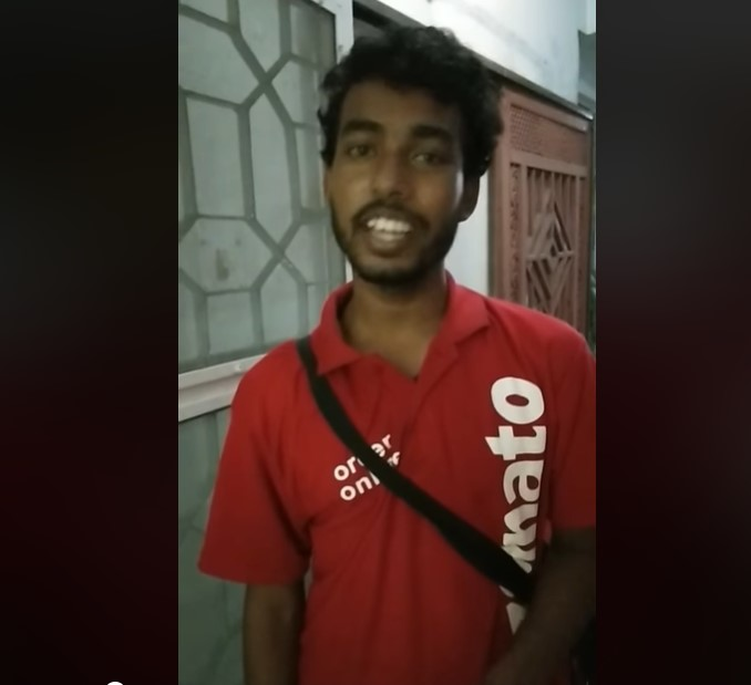 zomato delivery boy- India TV Hindi