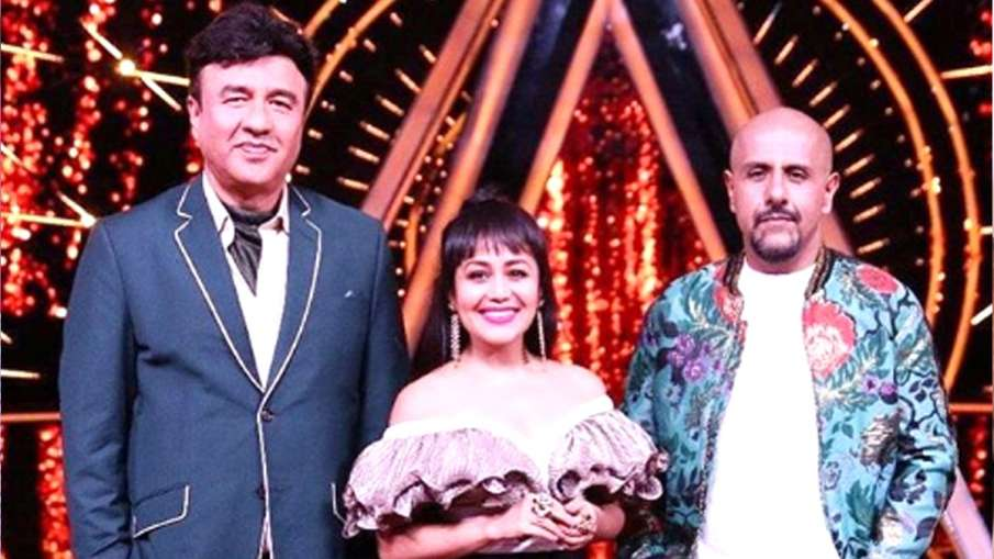 नेहा कक्कड़ और विशाल ददलानी के साथ अनु मलिक- India TV Hindi