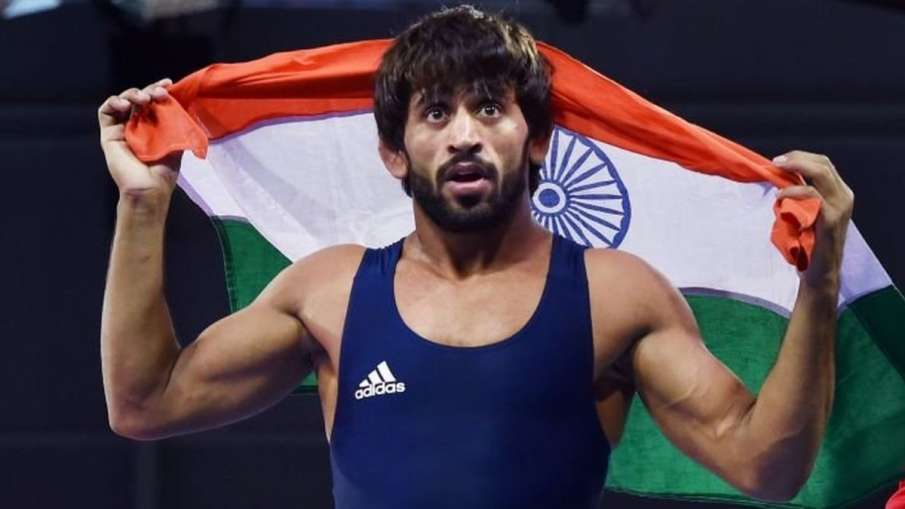 विश्व कुश्ती चैम्पियनशिप : सेमीफाइनल में हारे बजरंग, ब्रॉन्ज के लिए लड़ेंगे- India TV Hindi