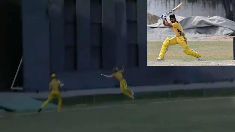 सोशल मीडिया पर वायरल हुआ इस भारतीय खिलाड़ी का चौंका देने वाला कैच, आपको भी नहीं होगा यकीन- India TV Hindi