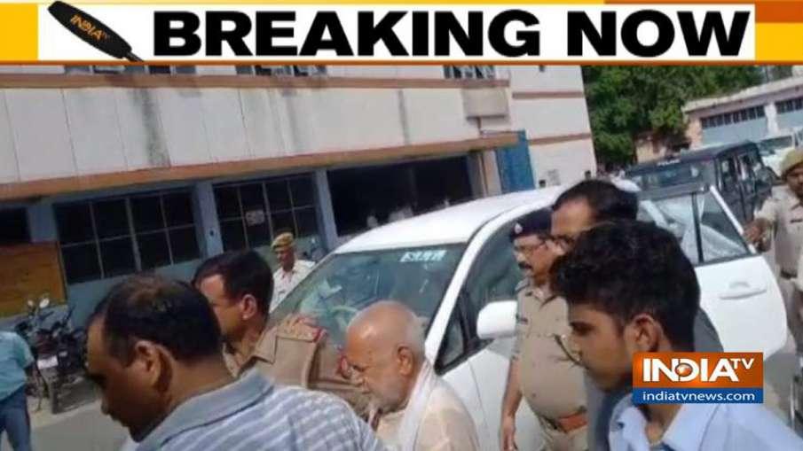पूर्व केंद्रीय मंत्री चिन्मयानंद यौन शोषण के आरोप में गिरफ्तार- India TV Hindi