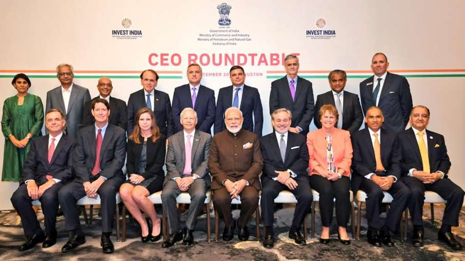 Narendra Modi meets CEOs from energy sector in US, PM asks 'Howdy Houston' before 'Howdy Modi' even- India TV Hindi