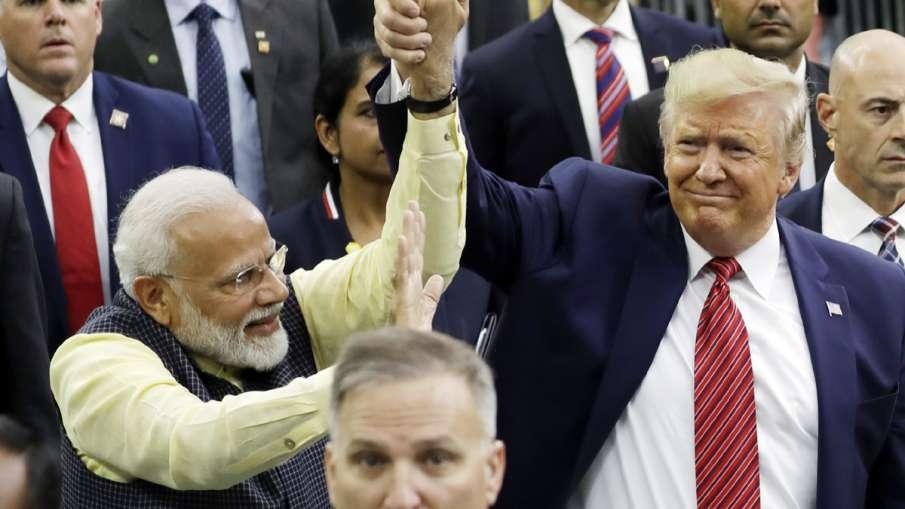 PM Narendra Modi and US President Donald Trump at 'Howdy, Modi' event   AP- India TV Hindi
