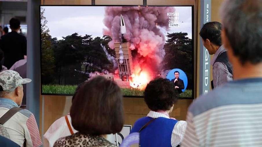 उत्तर कोरिया ने अमेरिका के साथ बातचीत की इच्छा जाहिर करने के बाद फिर दागे प्रक्षेपास्त्र - India TV Hindi