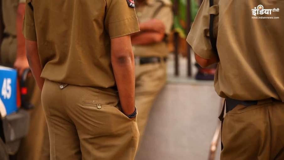 Police Raid- India TV Hindi