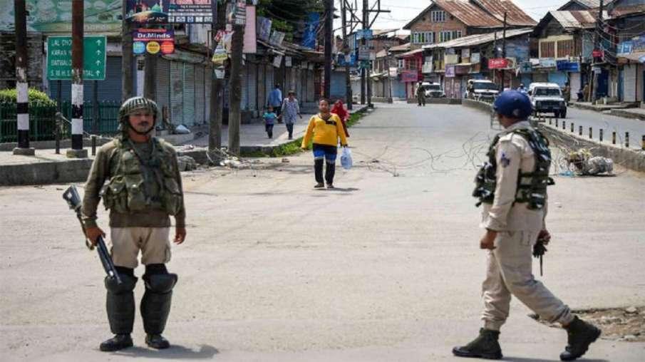 घाटी में अमन की बयार, जम्मू-कश्मीर में हटाए गए 90 फीसदी से ज्यादा प्रतिबंध- India TV Hindi