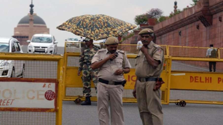 चुनावी मौसम की 'गरमी' में भाजपा पर भारी न पड़ जाए दिल्ली पुलिस की 'नरमी'!- India TV Hindi