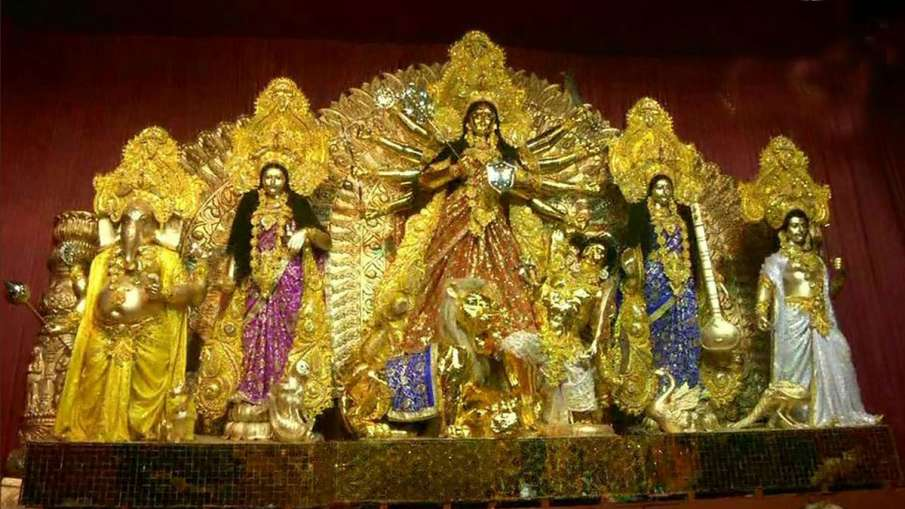 Durga puja 50 kg gold idol installed in kolkata pandal see photos- India TV Hindi