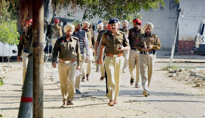 Punjab Police team attacked by villagers in Haryana- India TV Hindi