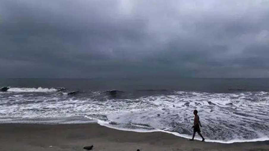 महाराष्ट्र-गोवा में क्यार का कहर, 110 किमी की रफ्तार से चलेंगी हवाएं; अलर्ट जारी- India TV Hindi