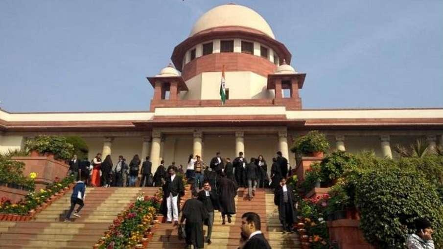 फैसले से पहले राममंदिर पर समझौता? संविधान पीठ के सभी जज आज मिलकर करेंगे चर्चा- India TV Hindi
