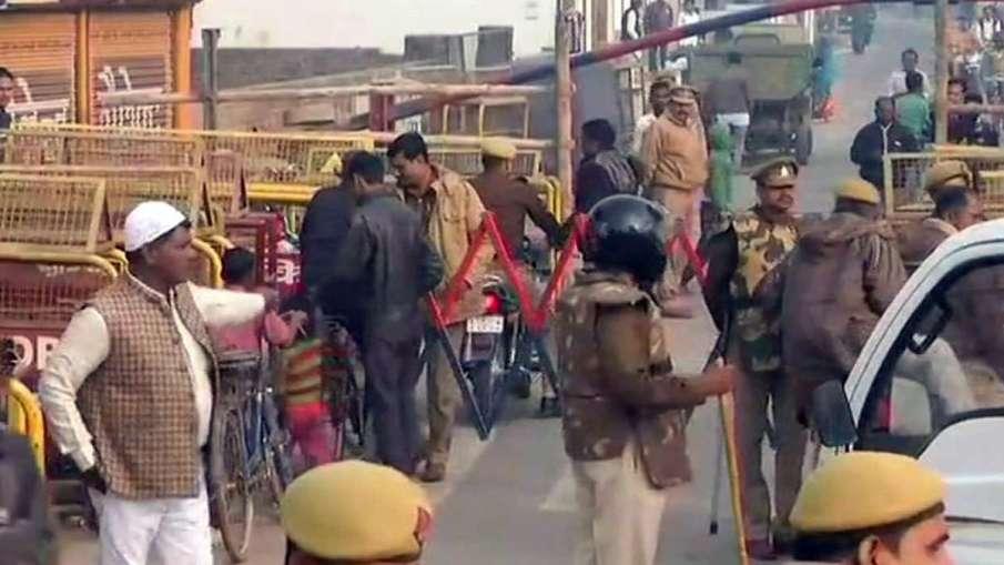 फैसले से पहले अयोध्या में चप्पे-चप्पे पर सुरक्षाबल तैनात, लोग जमा कर रहे राशन- India TV Hindi