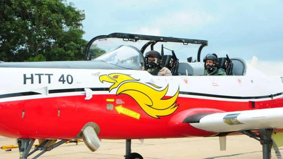 Chief of Air Staff Flies HTT 40; Appreciates HAL's Design Efforts- India TV Hindi