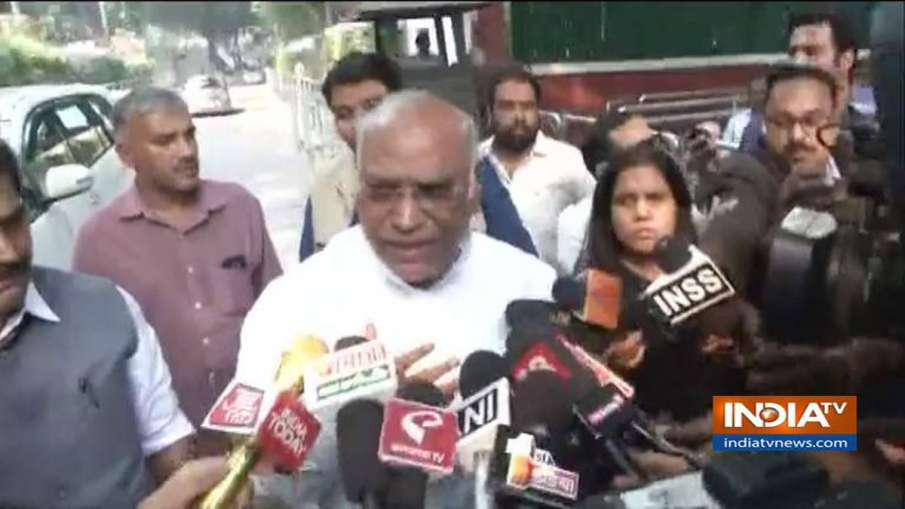 Congress will decide on supporting Shiv Sena after Discussing senion Maharashtra Leaders says Kharge- India TV Hindi