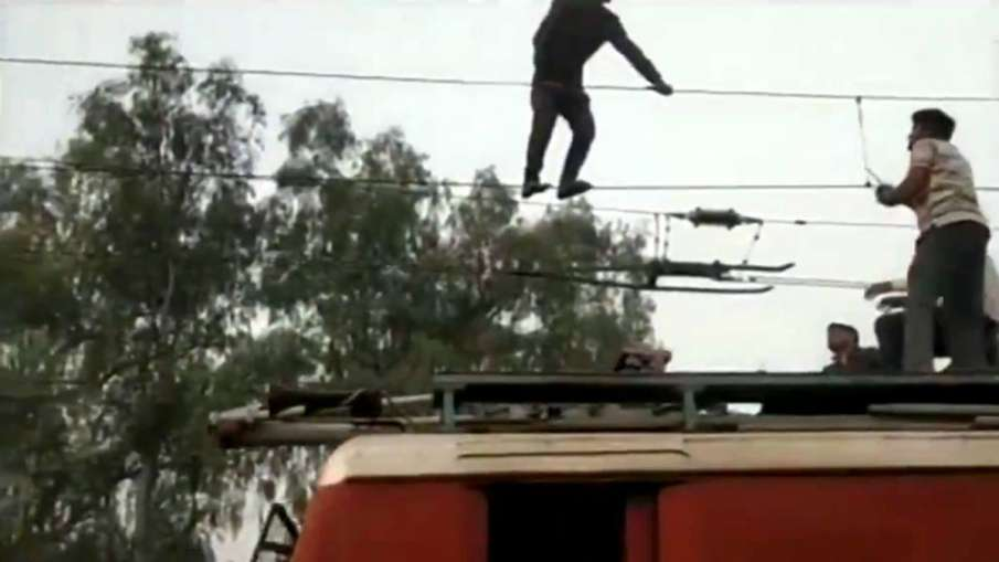 Dabra Railway Station- India TV Hindi