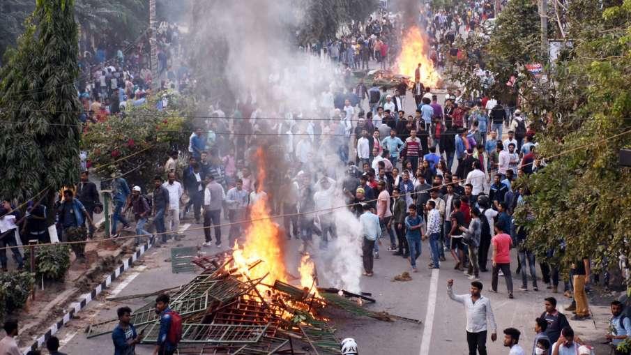खुफिया एजेंसियों का खुलासा, असम में नागरिकता संशोधन कानून के विरोध के पीछे आतंकवादी संगठन- India TV Hindi