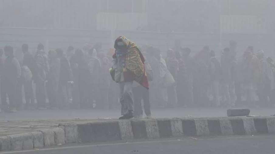 उत्तर भारत में शीतलहर का प्रकोप जारी, दिल्ली की सर्दी ने तोड़ा पिछले 22 सालों का रेकॉर्ड- India TV Hindi