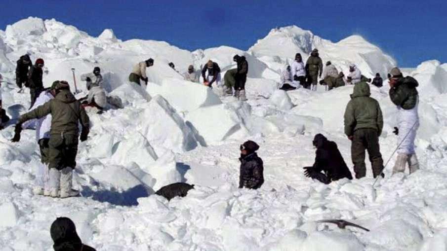 कश्मीर में बर्फीले तूफान का कहर, भारतीय सेना के 3 जवान लापता- India TV Hindi