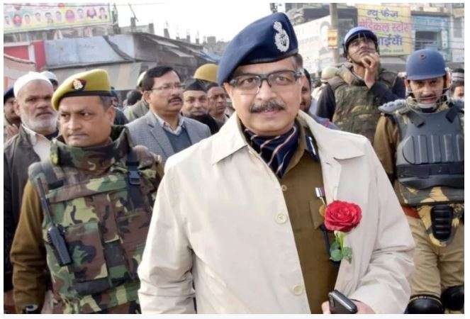 IPS Officer Alok Singh joins as first police commissioner of Noida- India TV Hindi