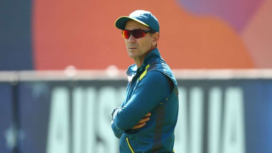 'You can avoid them only by staying in the bathroom' Justin Langer said on the fanfare of Indian fan- India TV Hindi