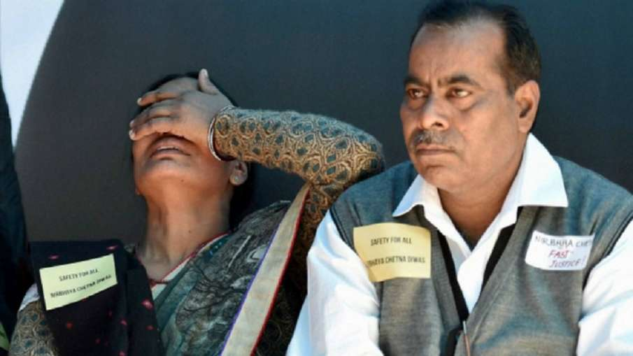 Nirbhaya's father urges Supreme Court to frame...- India TV Hindi