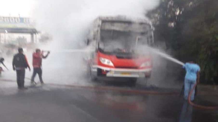 Bus Fire- India TV Hindi