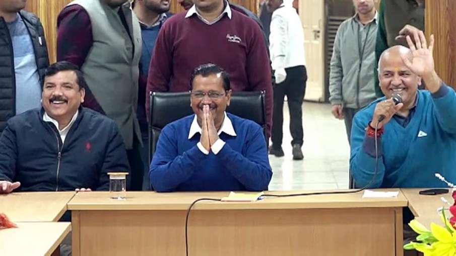 केजरीवाल के शपथ ग्रहण में मंच साझा करेंगे 'दिल्ली निर्माण' के लिए जिम्मेदार 50 लोग- India TV Hindi