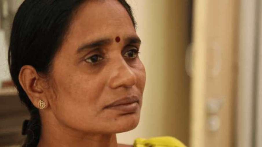 Asha Devi, Mother of 2012 Delhi gang-rape victim on...- India TV Hindi