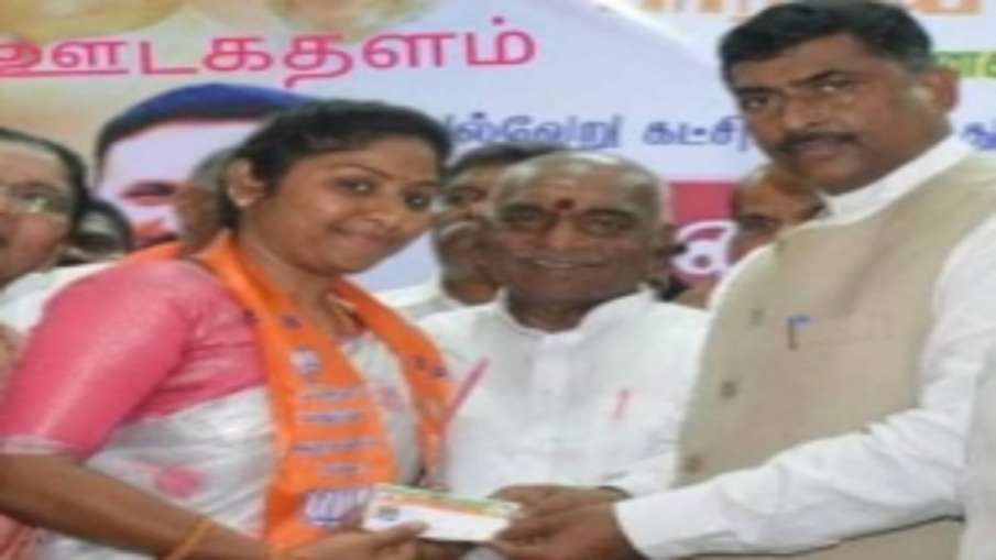 तमिलनाडु: वीरप्पन की बेटी भारतीय जनता पार्टी में शामिल- India TV Hindi