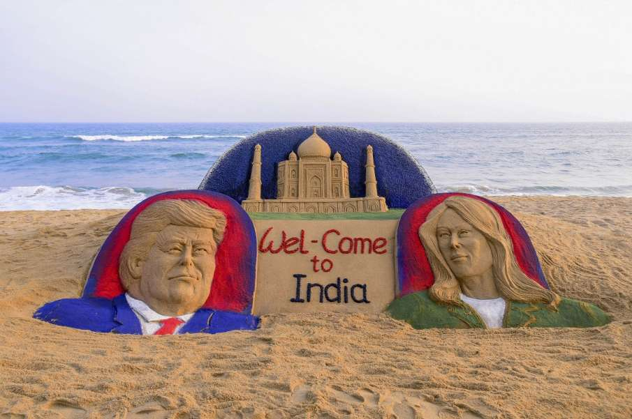 Sand sculpture on US President Donald Trump with First...- India TV Hindi