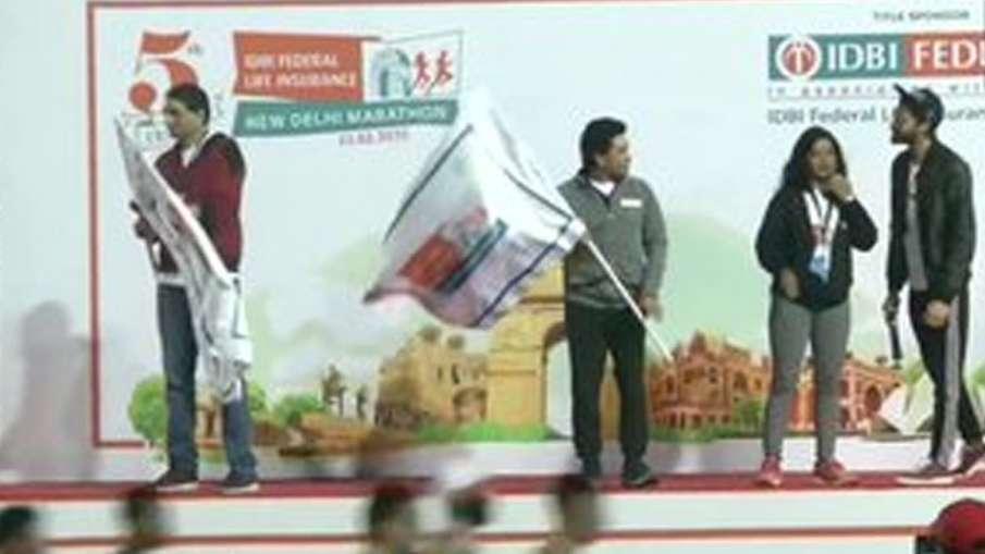 Sachin Tendulkar at New Delhi Marathon- India TV Hindi