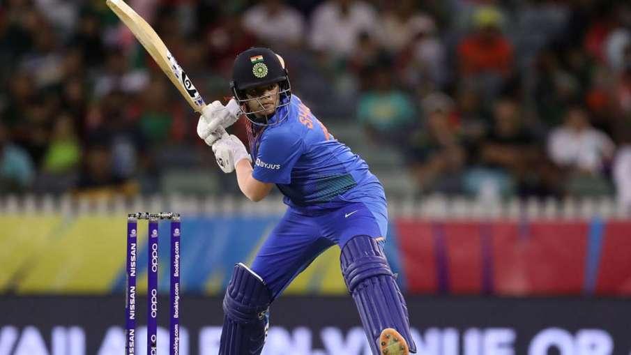 Team management allows Shefali Verma to play cricket without fear: Shikha Pandey- India TV Hindi