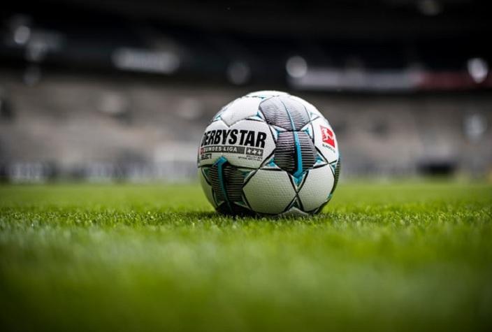 English football suspended PL Season until April 30- India TV Hindi