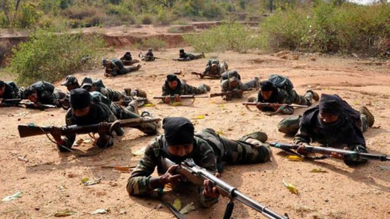 Landmine blast in chhattisgarh । छत्तीसगढ़: बारूदी सुरंग में विस्फोट, CRPF का अधिकारी शहीद, 10 जवान - India TV Hindi
