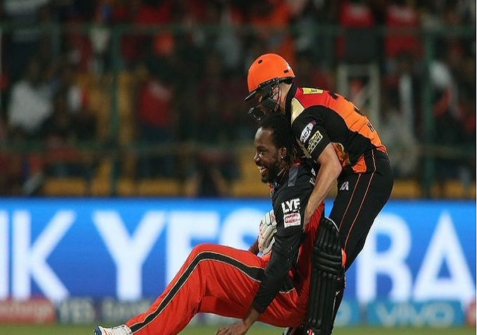 Punjab and Hyderabad clash on Twitter before IPL 2020, tell who is better between Warner and Gayle- India TV Hindi