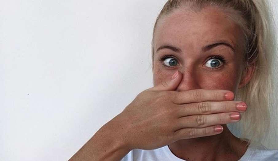 मुंह की बदबू से निजात पाने के घरेलू उपाय- India TV Hindi