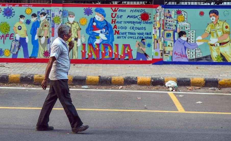 दिल्ली: एक दिन में सबसे ज्यादा 448 कोरोना पॉजिटिव केस मिले, चार इलाकों को किया गया डिकंटेंड- India TV Hindi
