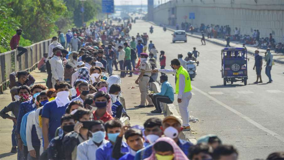 भारत में चार करोड़ प्रवासी श्रमिक हैं, अब तक 75 लाख घर लौटें हैं :गृह मंत्रालय- India TV Hindi