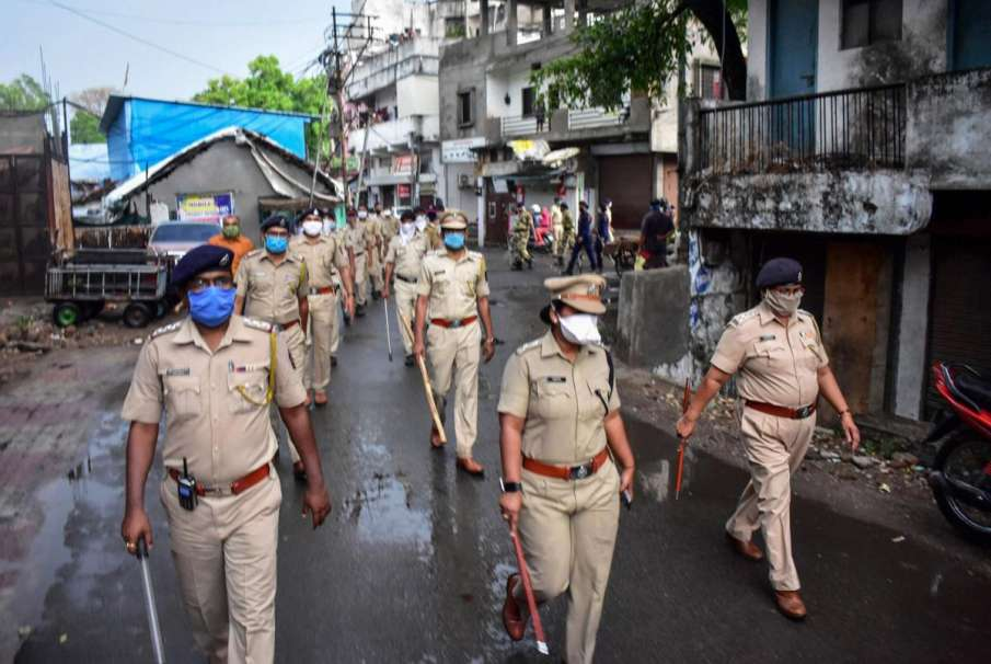 26 cops at JJ Marg Police Station in Mumbai test COVID-19 positive- India TV Hindi