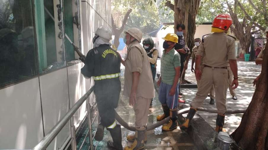 Record room in Noida Authority office catches fire, Several files have been gutted - India TV Hindi